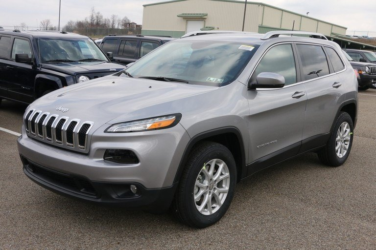 new 2017 jeep cherokee latitude sport utility in greensburg j21275 hillview motors. Black Bedroom Furniture Sets. Home Design Ideas